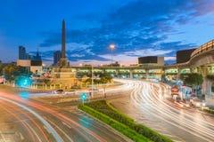 胜利纪念碑是一座大军事纪念碑在曼谷, Thaila 库存照片