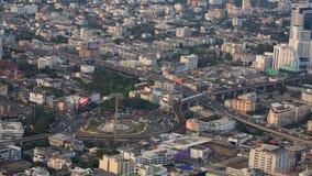 胜利纪念碑空中都市风景视图在曼谷 免版税库存图片
