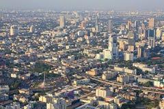 胜利纪念碑空中都市风景视图  免版税库存照片