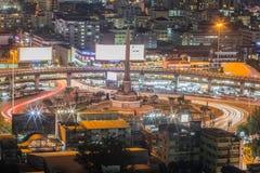 胜利纪念碑,曼谷在晚上 库存照片