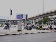 胜利纪念碑,曼谷,泰国2017年11月08日:在胜利纪念碑的交通 图库摄影