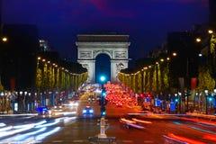 胜利巴黎曲拱的凯旋门  免版税图库摄影