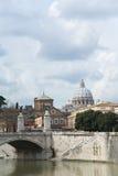 胜者伊曼纽尔II桥梁在罗马。 库存图片