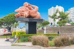 胜者Delfin利马秘鲁亲吻雕塑  免版税库存照片