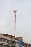 细胞站点,电信无线电铁塔 免版税图库摄影