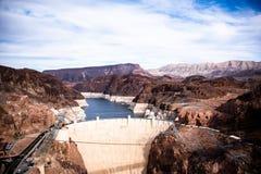 胡佛水坝在边界的一个建筑杰作在内华达和亚利桑那之间 免版税库存图片
