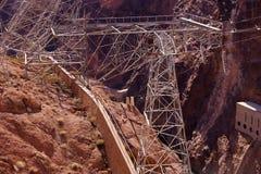 从胡佛水坝的高压输电线 免版税图库摄影