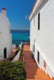 胡同向海 蓬塔Prima,梅诺卡岛,西班牙 图库摄影