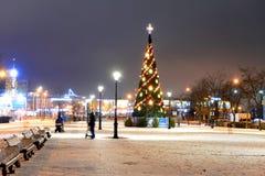 胡同在冬天晚上 免版税库存图片
