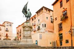 胡安喝彩声雕象在塞戈维亚, 库存照片