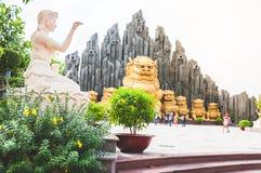 胡志明市,越南, 12,25,2017个金龙雕象 免版税库存图片