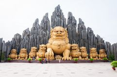 胡志明市,越南, 12,25,2017个金龙雕象 免版税库存照片