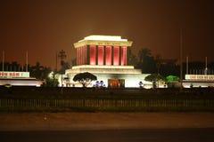 胡志明陵墓的夜照片在河内,越南 免版税库存图片