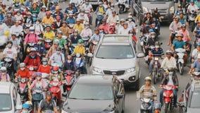 胡志明,越南- 2016年10月13日:高峰时间 密集的交通在胡志明市 越南 免版税库存图片