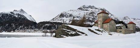 胡扯Da无礼的话城堡, Surlej,瑞士 图库摄影
