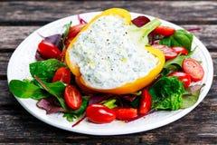胡椒充塞用酸奶干酪,荷兰芹,大蒜 库存图片