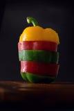 胡椒,青椒,红辣椒,切的胡椒 免版税库存照片