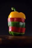 胡椒,青椒,红辣椒,切的胡椒 图库摄影