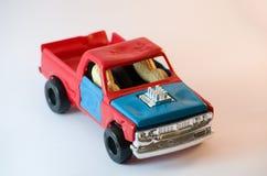 2胡说的驾驶的玩具汽车 免版税库存图片