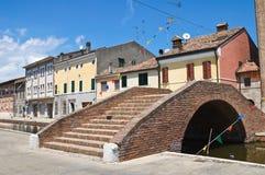 胭脂红桥梁。 Comacchio。 伊米莉亚-罗马甘。 意大利。 免版税库存图片