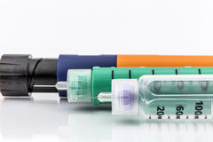 胰岛素射入针或笔供糖尿病患者使用 免版税图库摄影
