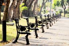 胳膊椅子在Suan Louhng公园Rama 9在Bangkapi区,泰国 库存图片