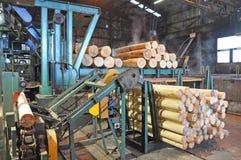 胶合板工厂 免版税库存图片
