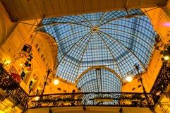 胶玻璃屋顶-购物中心在红场,莫斯科,俄罗斯 免版税库存照片