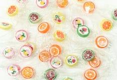 胶粘的熊糖果五颜六色的背景 图库摄影