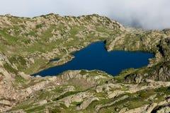 紫胶Brévent - Brevent湖在夏慕尼勃朗峰-法国 图库摄影