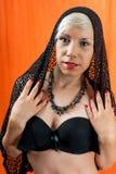 黑胸罩的亭亭玉立的女孩 库存照片