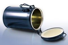 能查出的罐子白色 免版税图库摄影