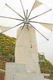 能源绿色原始风车 图库摄影