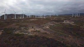 能量制造风轮机鸟瞰图, Teterife, Canarian海岛,西班牙 股票录像