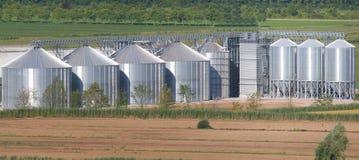 能量的同时发热发电的工厂设备从有机废料的 免版税库存照片