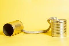 能给锡打电话 黑色通信概念收货人电话 免版税库存照片