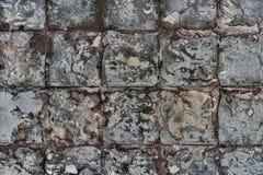 脏的石墙 库存照片