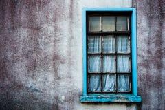脏的被放弃的房子细节 免版税库存图片