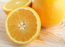 脐橙切了 免版税库存照片