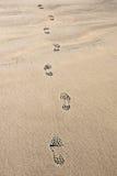 脚印沙子 库存图片