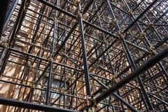 脚手架管子建筑细节  免版税库存照片