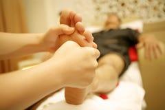 脚按摩温泉 免版税图库摄影