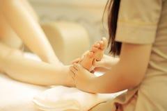 脚按摩温泉 图库摄影