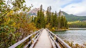 脚桥梁在Pyramid湖到金字塔海岛 免版税库存图片