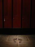 脚步lockerroom 库存图片
