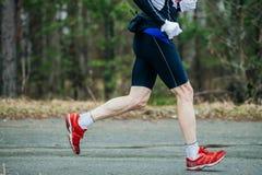 脚赛跑者人特写镜头  免版税库存图片