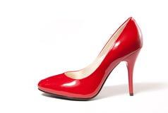脚跟高红色鞋子妇女 库存照片