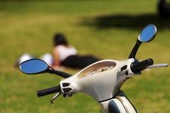 脚踏车和摩托车女孩其它。 免版税库存图片