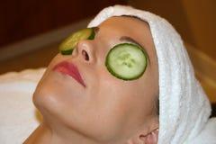 脸面护理获得妇女 库存图片