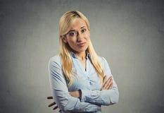 脾气坏的怀疑妇女 免版税库存图片